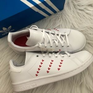 Adidas stan smith hearts sneakers